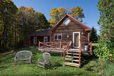 cabins to rent 15 airbnb cabins to rent this winter the everygirl
