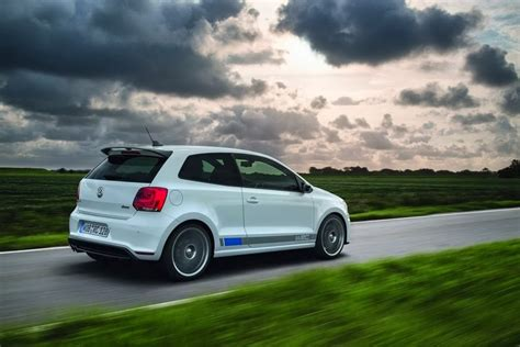 Volkswagen Polo Wallpapers by Volkswagen Polo R Wallpaper Prices Features Wallpapers