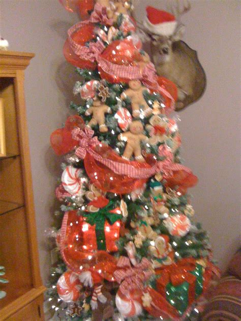 gingerbread themed tree christmas pinterest