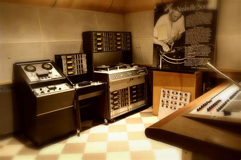 File:Ampex 440 & MM1000, RCA Studio B.jpg - Wikimedia Commons
