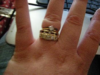how to wear wedding rings wedding band pet peeve mylot
