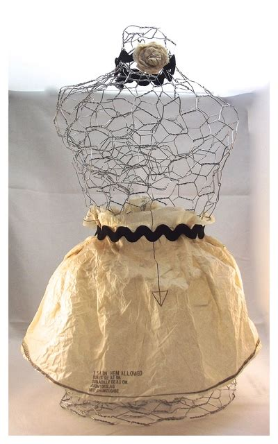 chicken wire mannequin diy home decor favecraftscom