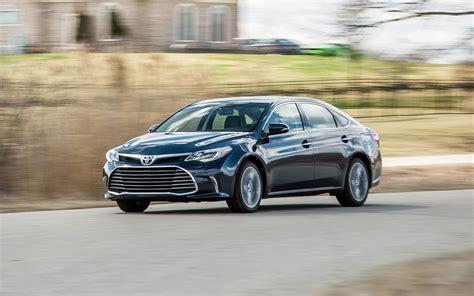 Toyota Acura by Comparison Toyota Avalon Limited Hybrid 2018 Vs