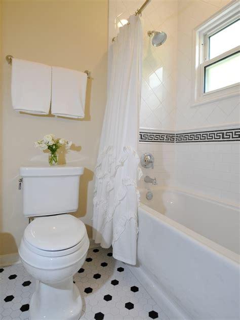 greek key bathroom tiles design ideas