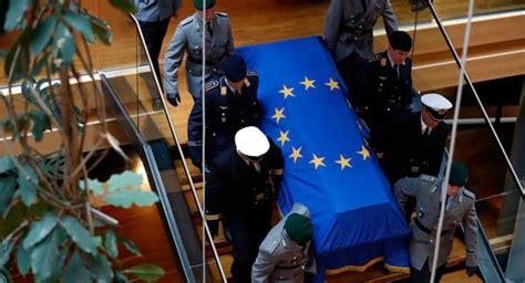Photo Gallery Is Helmut Kohl Being Held Like Leaders Bid Farewell To Late German Chancellor Kohl