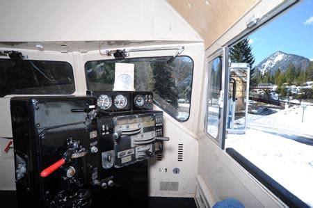 gn  luxury locomotive lodge  commanding view   cab