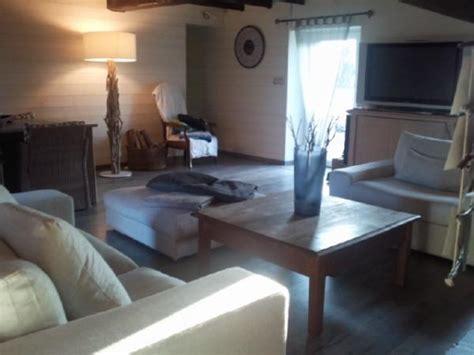 deco mur de cuisine salon vue opposée photo 2 8 lambris blanc brut de sciage au mur vous feriez