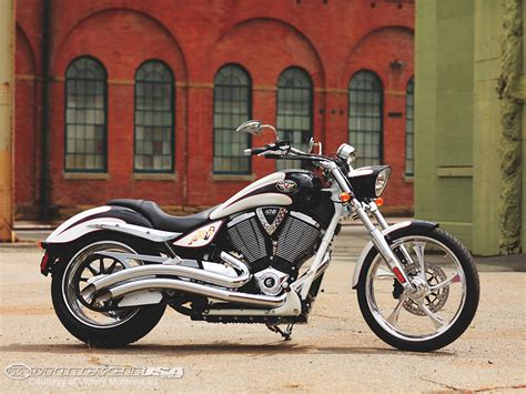 Victory Motorcycle : 2011 Victory Motorcycles Photos