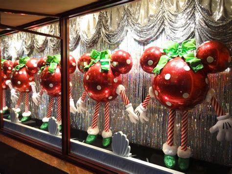 ideas  christmas window display  pinterest