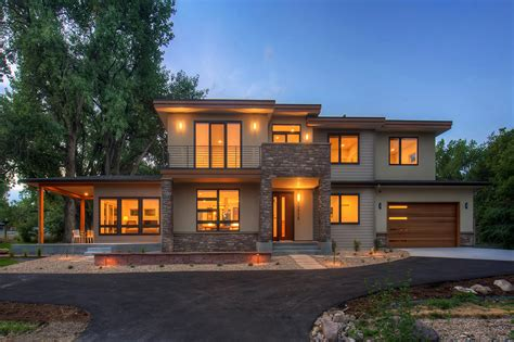 Contemporary Style House Plan 4 Beds 3 5 Baths 3334 Sq