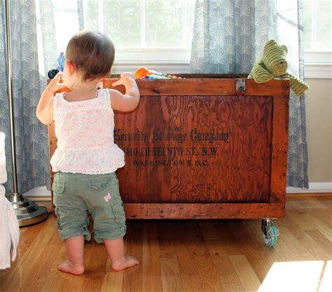serena castered crates knock