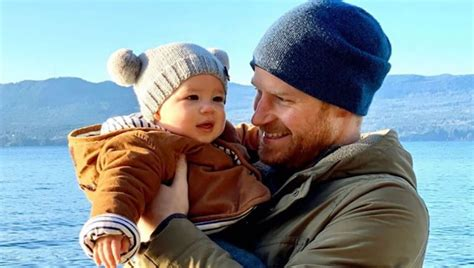 meghan markle prince harry share delightful photo  baby