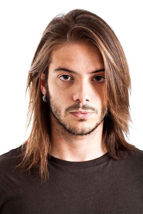 model rambut gondrong pria  keren trend april