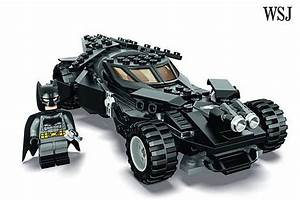 Lego Batman Batmobile : lego reveals new 39 batman vs superman 39 batmobile set ~ Nature-et-papiers.com Idées de Décoration
