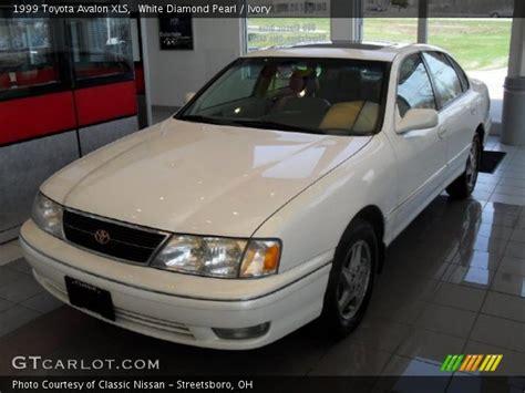 1999 Toyota Avalon Xls by White Pearl 1999 Toyota Avalon Xls Ivory