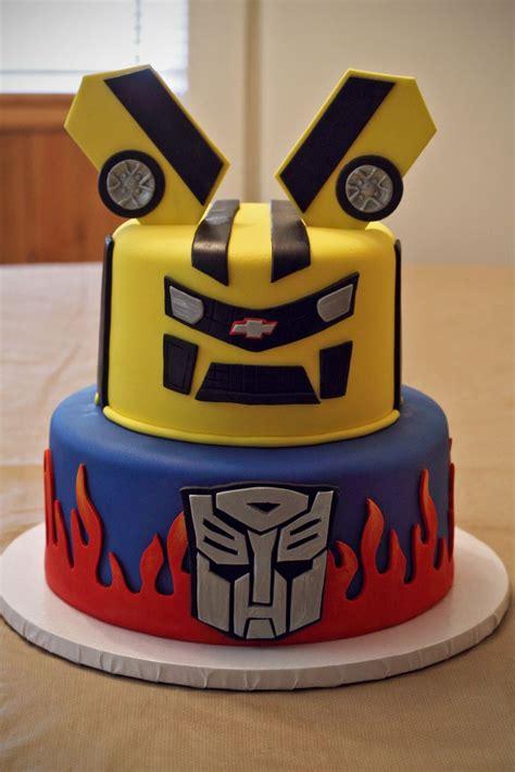 Southern Blue Celebrations Transformer Cake, Cupcake, And