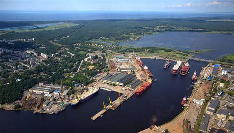 Rīgas kuģu būvētava grimst