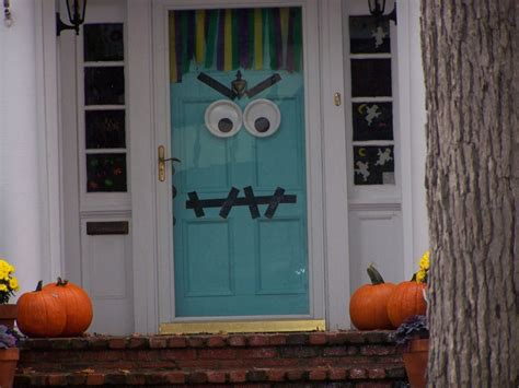 ideas halloween decorations door  warm