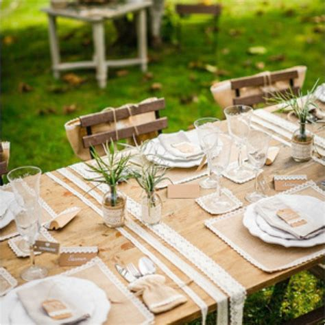 centre de table carre mariage d 233 coration mariage vintage centre de table jute et dentelle carr 233