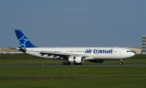 file airtransat a330atyul jpg wikimedia commons