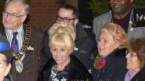 TV Star Barbara Windsor selfies with fans at Christmas ...