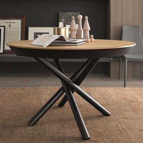 table design extensible ronde en bois avec pied central forme mikado fahrenheit 4 pieds