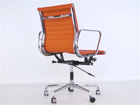 chaise bureau orange chaise eames alu ea117 orange