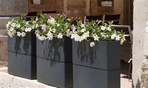 veca vasi staggio rotazionale per vasi di design il giardino di