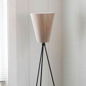 lampe beige cool excellent lampe blanche jumo classique With kitchen cabinets lowes with lampadaire papier