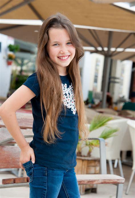 nicole  miah models artists agency barcelona