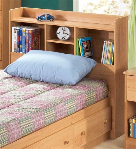 Bedroom Casual Teenage Bedroom Decor Using Light Oak Wood