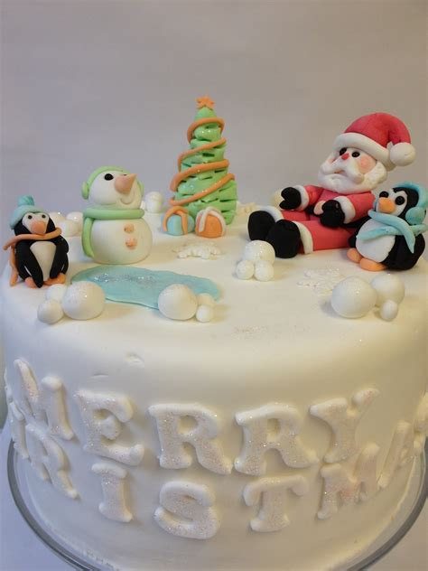 cakes decorated with cake decorating