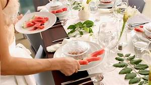 Tisch 8 Personen : tisch decken f nf grundgedecke und zw lf regeln beim tisch decken ~ Markanthonyermac.com Haus und Dekorationen