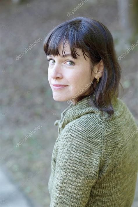 Photos Of Brown Hair by Athletic With Brown Hair And Beautiful Green