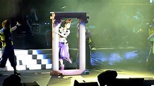 任意門 - 杨丞琳 [Whimsical World Tour - 16/10/2010] - YouTube