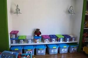 Meuble de rangement jouets chambre meuble de rangement for Tapis chambre ado avec matelas bébé sur mesure bio