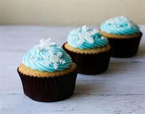 Disney Frozen Snowflake Cupcake Cake