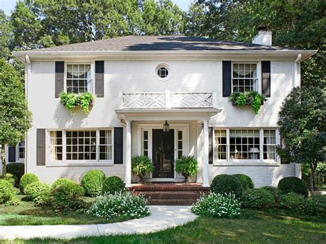 style home tour an updated traditional style home hgtv