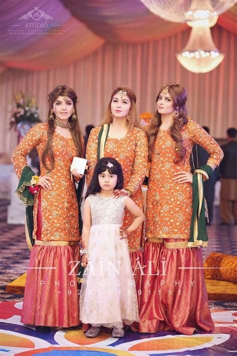 nice dresses fpr mehndi function pakistani mehndi dress