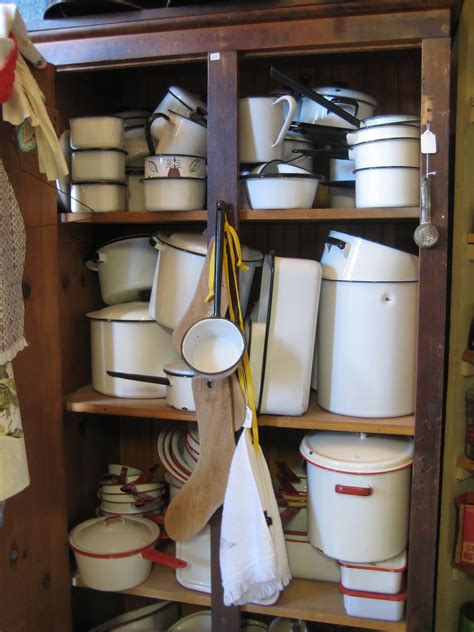cookware enamel bakeware pans kitchen enamelware roasting ovenware buying pots child 1940s 1930s sink everything copper julia food