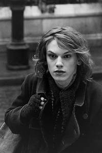 Jamie Campbell Bower as Anthony.(: he looks so young here ...