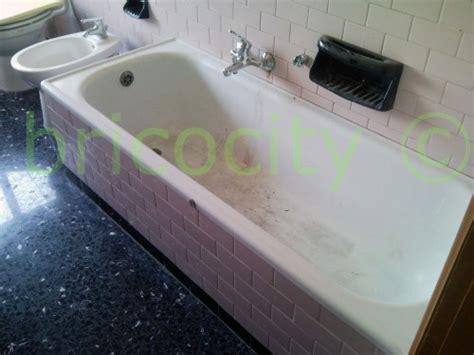 pulire la vasca da bagno pulire vasca da bagno ingiallita trattamento marmo cucina