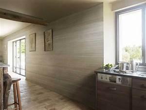 lambris pvc imitation bois clair dans cuisine ouverte With lambris pvc pour cuisine