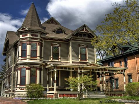 House Style : Victorian Era Style Homes