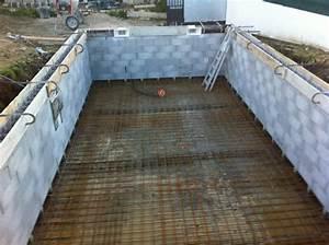 construction de piscine dans une villa a plan de cuques With plan de piscine beton