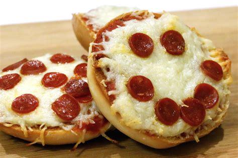 minutes    eating homemade pizza bagel bites