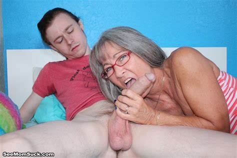 Shocking Mouth Mommy Ucks My Dick