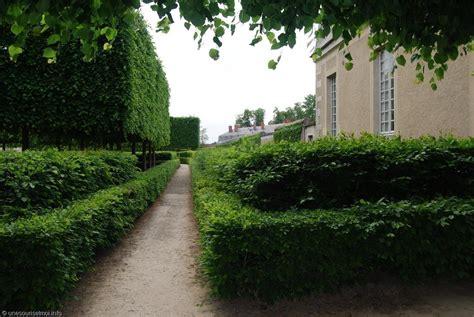 chateau versailles trianon jardin 02 versailles trianon