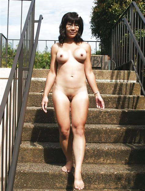 Sdruws Chinese Wife Nude In Public Pics