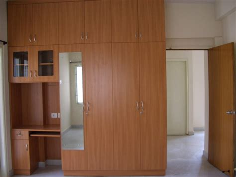 Wooden Cupboard Designs For Bedrooms by Almirah Designs For Small Bedroom Indian Www Resnooze